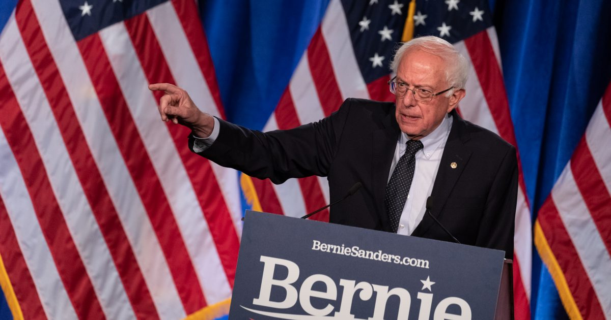 Bernie Sanders Gets a Lesson in What a $15 Minimum Wage Would Mean