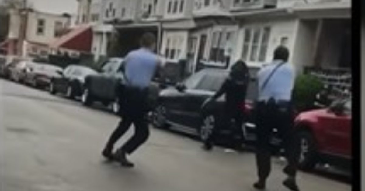 Protests and Looting Continue After Philadelphia Cops Fatally Shoot a Knife-Wielding Man Experiencing a 'Mental Crisis'