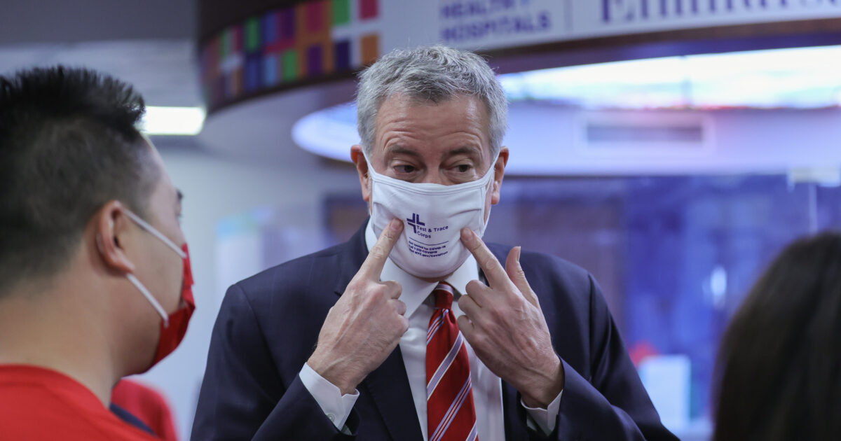 Bill de Blasio: 1 Mask Good, 2 Masks Better