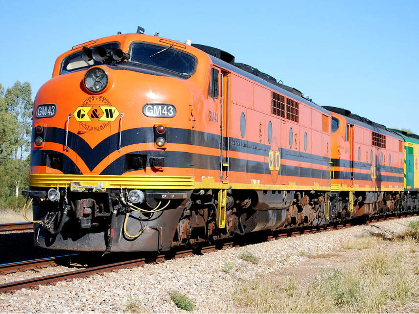 GM43 diesel train - moving barley, Clare valley, south australia
