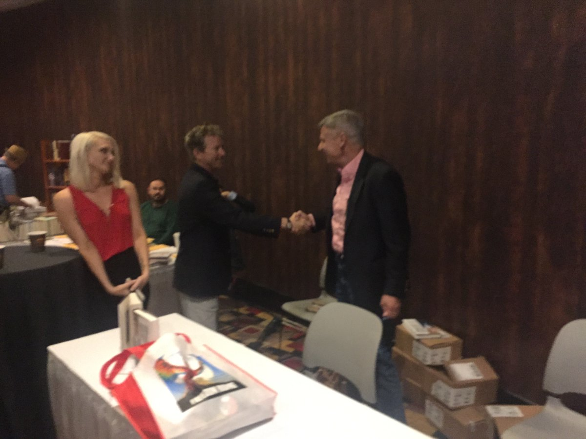 Rand Paul shakes Gary Johnson's hand at FreedomFest 2016. ||| The Gary Johnson campaign