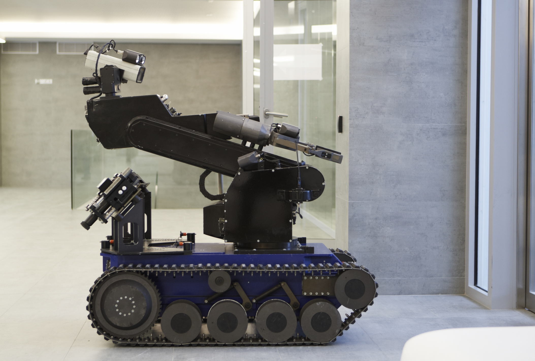 dallas pd used a quotbomb robotquot to neutralize alleged cop