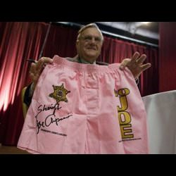 joe arpaio huge douche bag